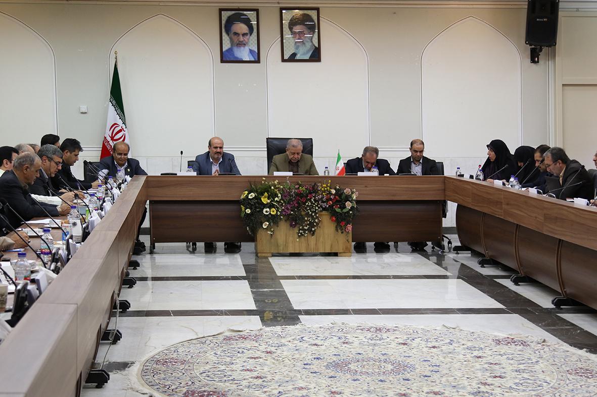 دكتر اكبري: ابلاغيه 10 گانه وزير كشور در خصوص اشتغال زنان بايد در سطح استان بومي سازي شود.