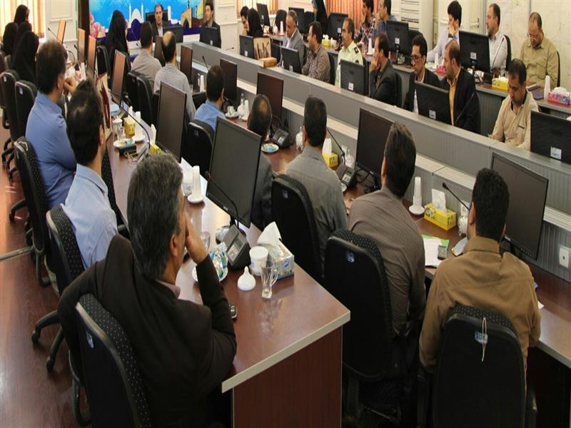 نشست رابطان آموزشي دستگاههاي اجرايي كاشان